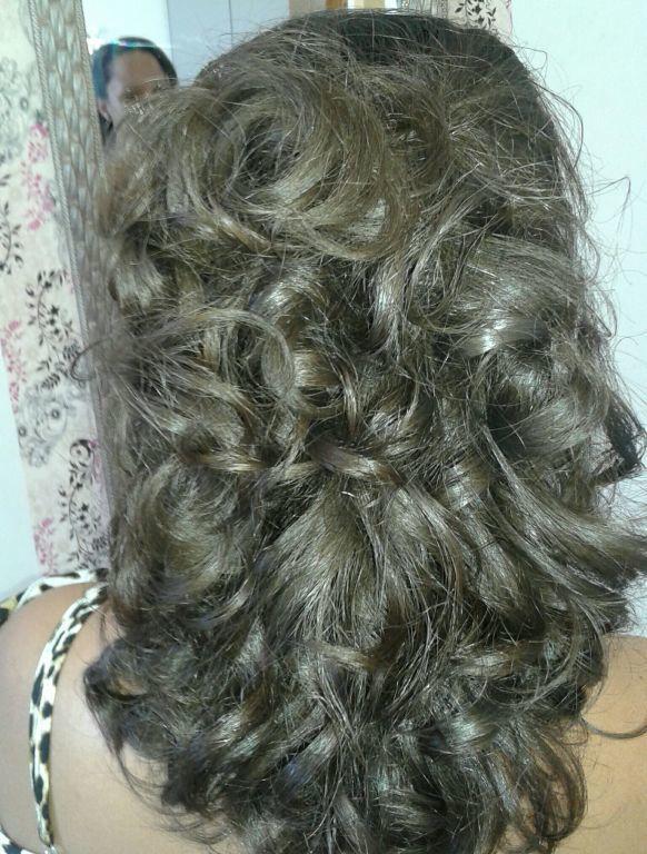 Escova cacheada cabelo cabeleireiro(a) maquiador(a)