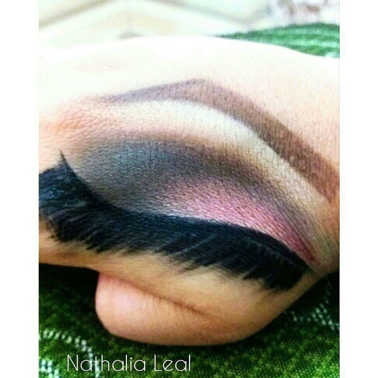 Treinando, rs! 😍 maquiagem maquiador(a) designer de sobrancelhas estudante (esteticista)
