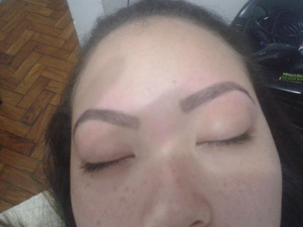 Designer depois cabeleireiro(a) barbeiro(a) maquiador(a) designer de sobrancelhas depilador(a)