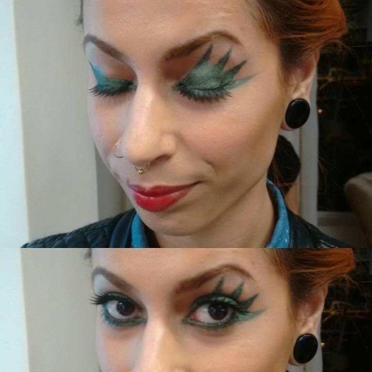 Maquiagem conceitual com olhos gráficos e assimétricos #delineado #metálico #assimétrico #liceudemaquiagem maquiagem maquiador(a) assistente maquiador(a)