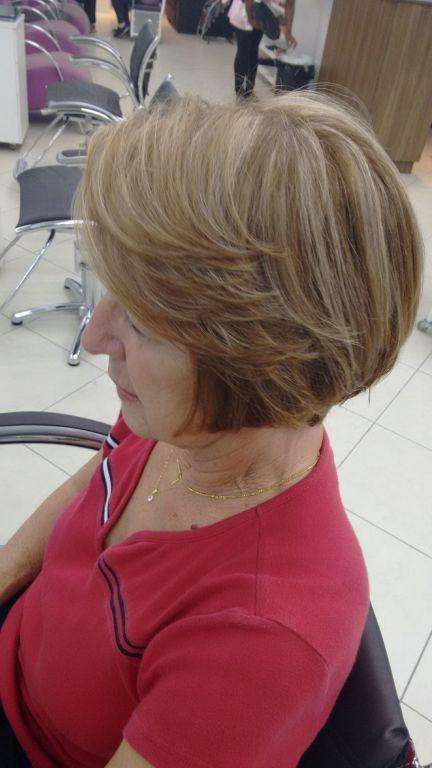 Corte e coloração cabeleireiro(a) maquiador(a) auxiliar cabeleireiro(a) recepcionista