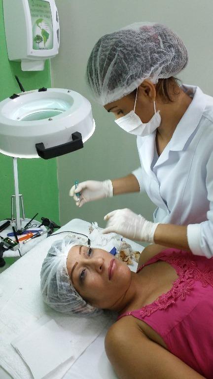 cabeleireiro(a) depilador(a) designer de sobrancelhas esteticista massagista maquiador(a) micropigmentador(a)