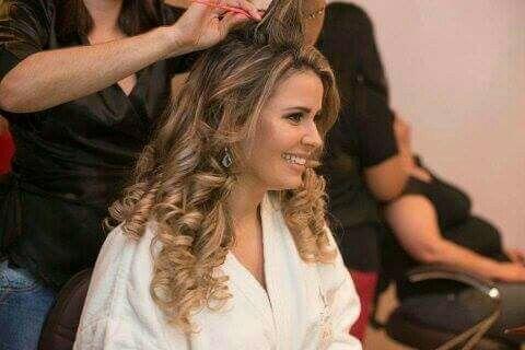 maquiador(a) micropigmentador(a) representante comercial docente / professor(a) consultor(a) auxiliar cabeleireiro(a)