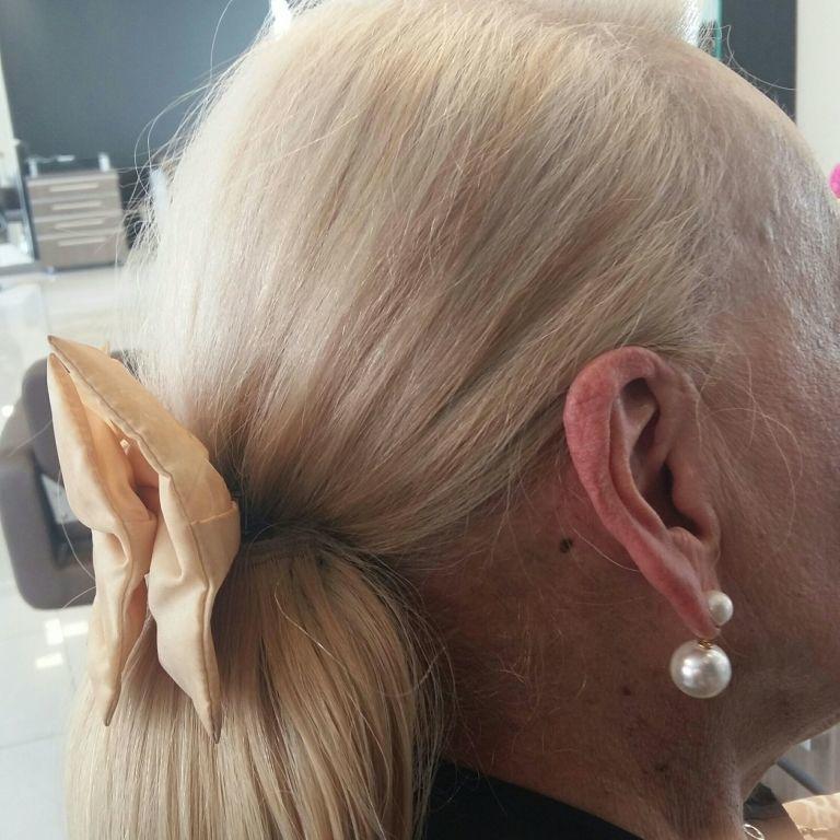Se preparando para o carnaval   .penteado luxo ... cabelo cabeleireiro(a)