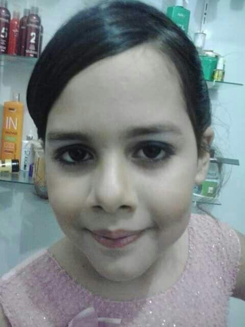 cabelo maquiagem cabeleireiro(a) maquiador(a) designer de sobrancelhas depilador(a)