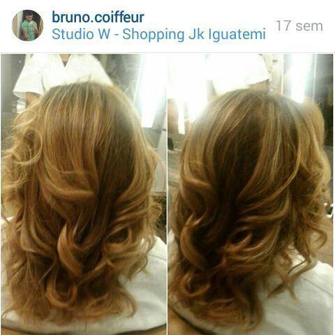 Escova ondulada cabelo auxiliar cabeleireiro(a) cabeleireiro(a)