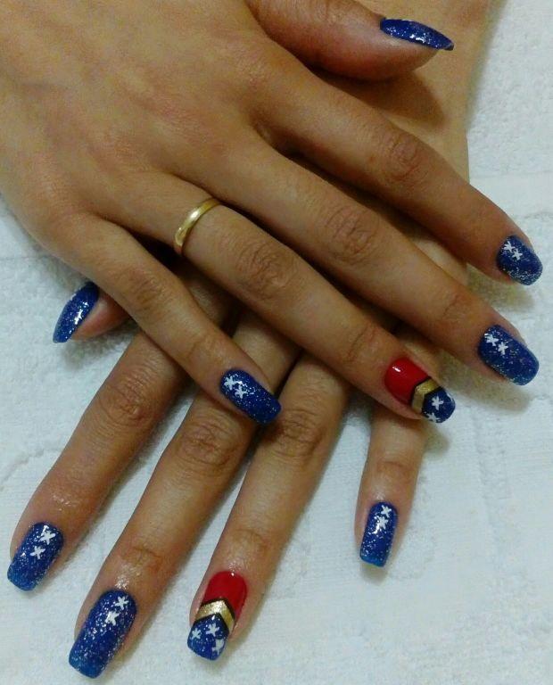 Mulher maravilha #unhadecorada unha manicure e pedicure