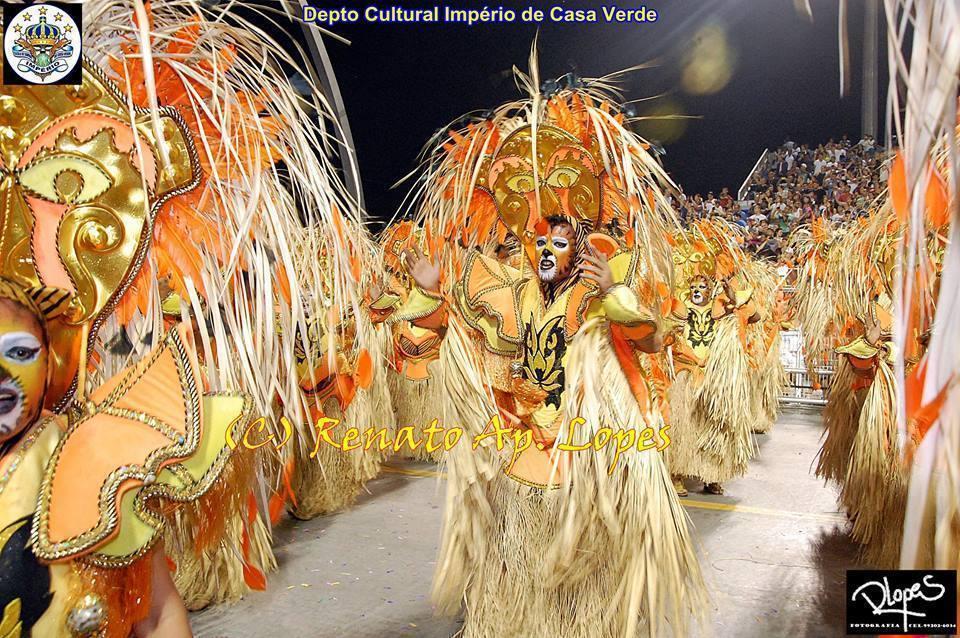 70 passistas maquiados para o desfile da Escola de Samba Império de Casa Verde, campeã em São Paulo em 2016. Foto oficial do Depto Cultural. #escoladesamba #imperiodecasaverde #carnaval2016 #campea2016 #maquiagem #tigre maquiador(a) cabeleireiro(a) consultor(a) em imagem