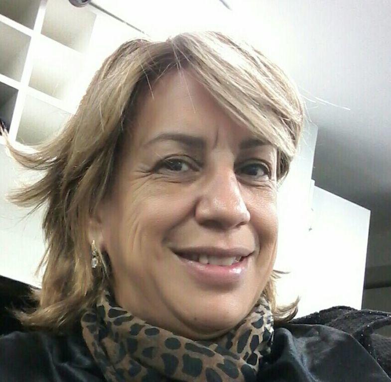 Profissional há  23 anos. cabelo cabeleireiro(a) cabeleireiro(a)