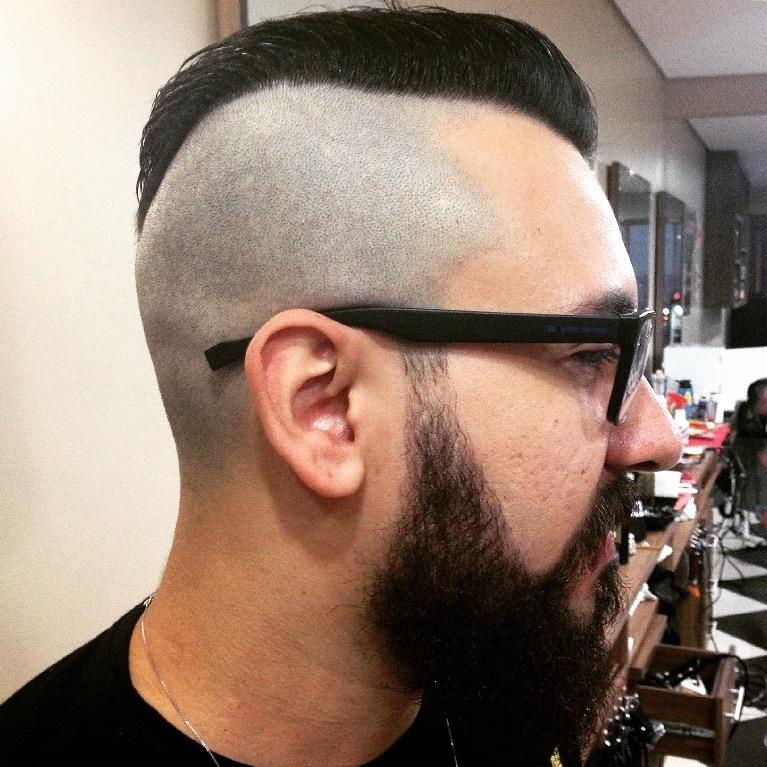 #mohawk #moicano #barbearia #barbeiroSiga meu Instagram: @rubz.barber  corte masculino cabelo  barbeiro(a)