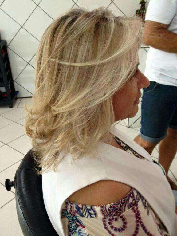 loiro pele madura cabelo  cabeleireiro(a)