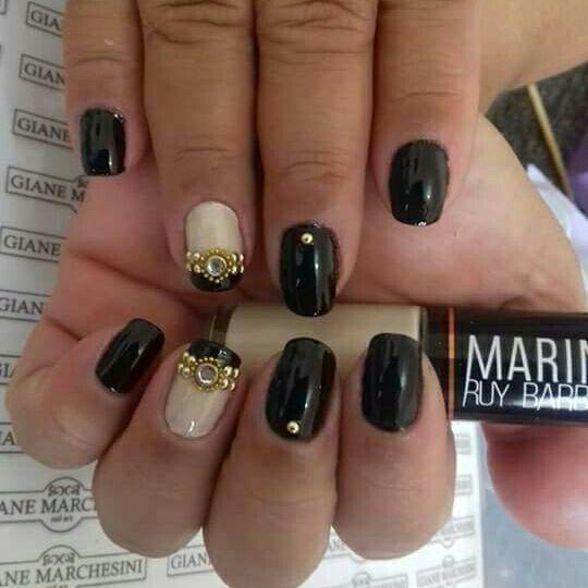 unha preta unhas  manicure e pedicure depilador(a) maquiador(a) depilador(a) depilador(a) manicure e pedicure