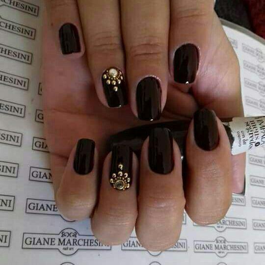 unha marrom escuro unhas  manicure e pedicure depilador(a) maquiador(a) depilador(a) depilador(a) manicure e pedicure