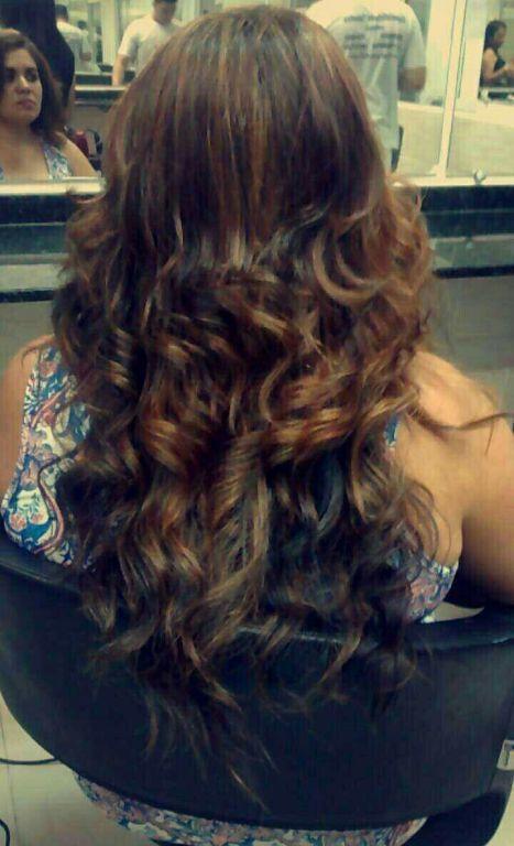 Luzes cabelo designer de sobrancelhas estudante (manicure) estudante (maquiador) estudante (cabeleireiro)