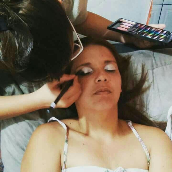 Nada melhor que fazer o que ama 💜 maquiagem designer de sobrancelhas estudante (manicure) estudante (maquiador) estudante (cabeleireiro)