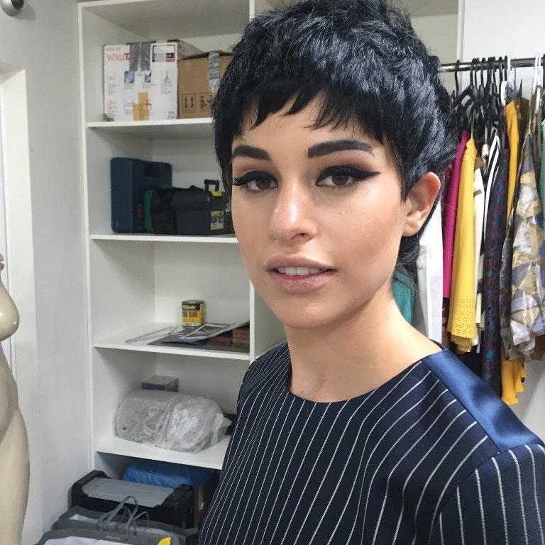 corte curto, maquiagem black eye cabelo maquiagem  maquiador(a)