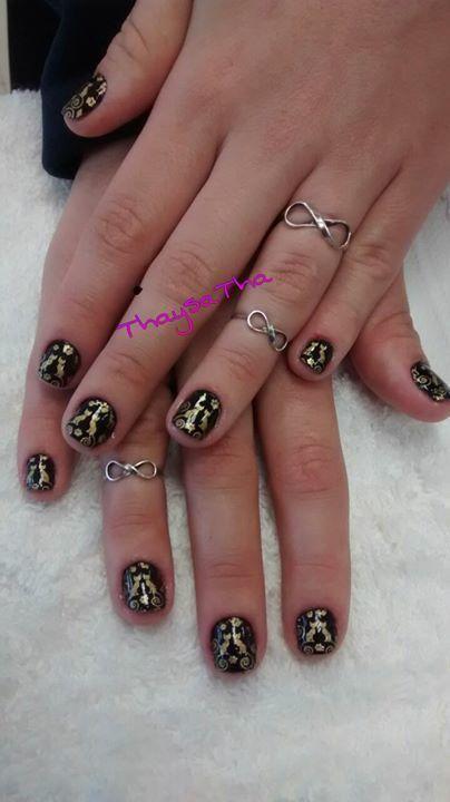 preto com dourado  unhas  manicure e pedicure designer de sobrancelhas depilador(a)