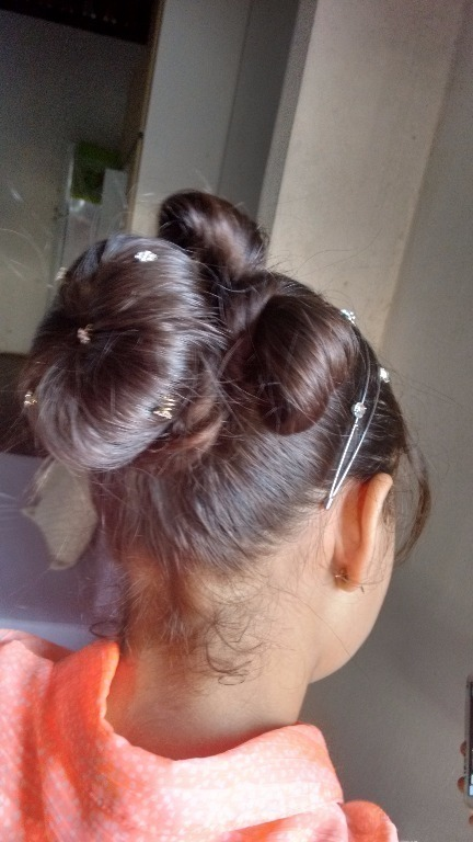 coque com laço cabelo  maquiador(a)