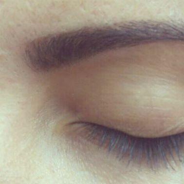 designer de sobrancelha com henna cabeleireiro(a) designer de sobrancelhas