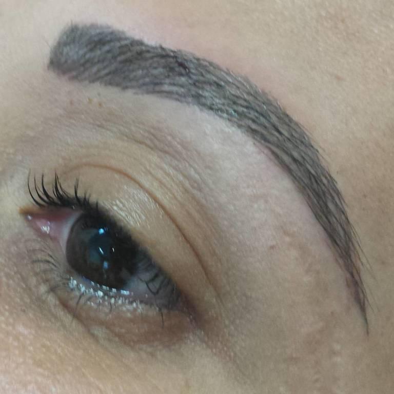 design de sobrancelha  estética  dermopigmentador(a) designer de sobrancelhas maquiador(a) esteticista