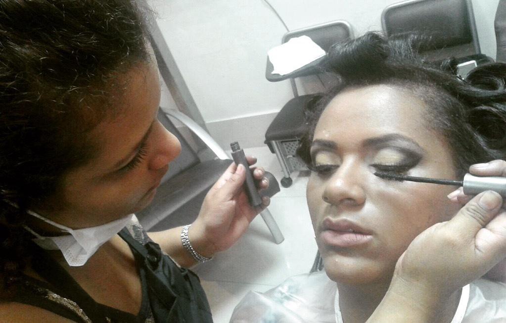 Make noiva.  maquiagem cabeleireiro(a) maquiador(a)
