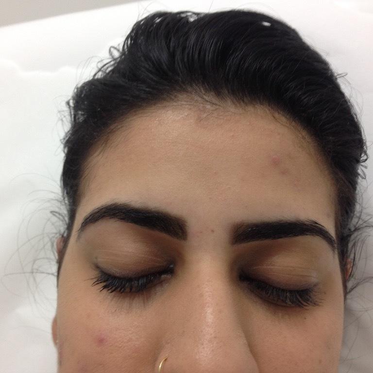 Design com henna estética esteticista designer de sobrancelhas