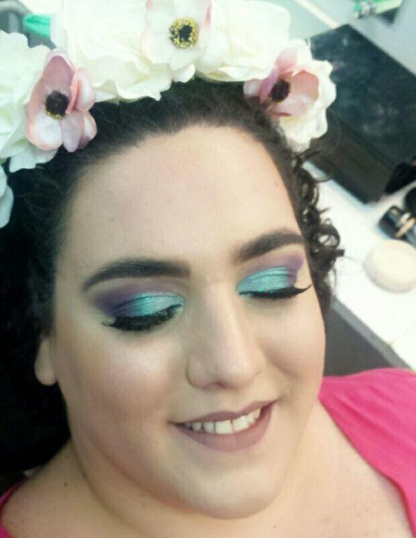 Técnica de #cutcrease #maquiagem #maquiadora #sereia #carnaval maquiagem maquiador(a) designer de sobrancelhas