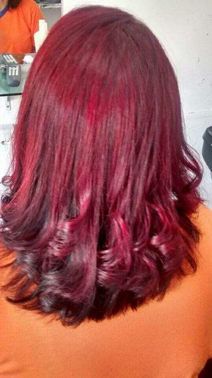 Luzes red cabelo cabeleireiro(a)