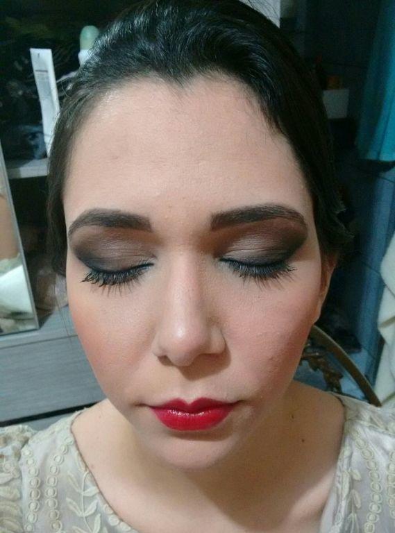 maquiagem esteticista designer de sobrancelhas depilador(a) maquiador(a)