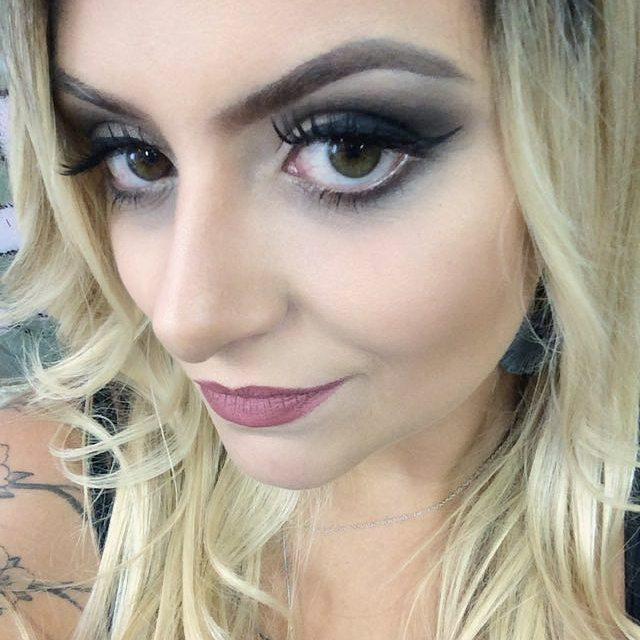 #makeup #carolseixasmakeup #ilovemyjob #ilovemakeup #casamento #wedding #noiva #noivinha  #madrinha #debutante #maquiagem #sobrancelhas #beleza #loira #platinado maquiador(a) esteticista
