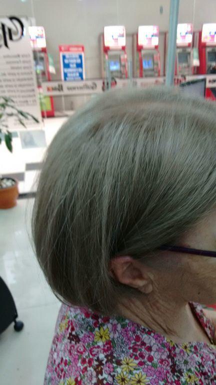 Cabelo 100% branco,cor aplicada 8.0+cinza iciberg.......cliente satisfeita....usei tinta joico+richesse loreal..... cabelo cabeleireiro(a)