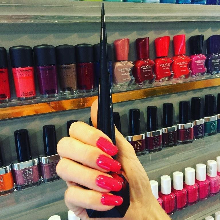 manicure e pedicure cabeleireiro(a) esteticista designer de sobrancelhas micropigmentador(a) podólogo(a)