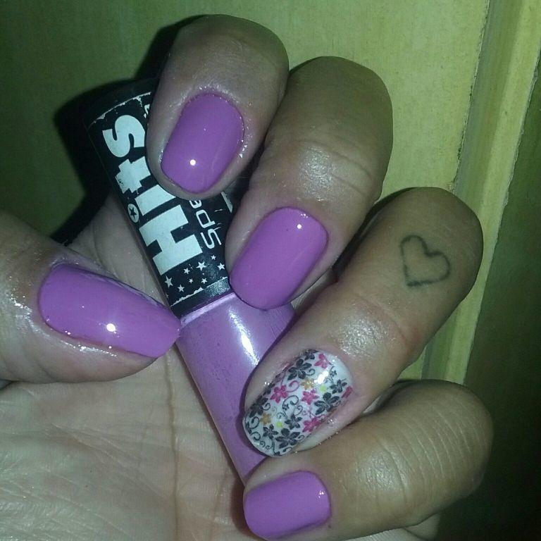 Unha da semana  #lilas#hist #PELICULAs unha manicure e pedicure