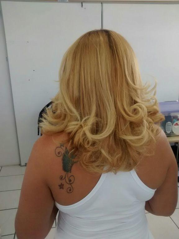 Escova modelada cabelo esteticista depilador(a) auxiliar cabeleireiro(a) recepcionista assistente esteticista