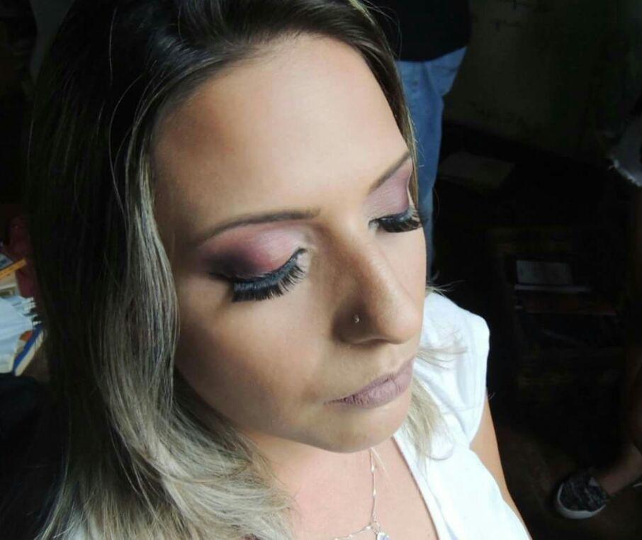 Make esfumada #marsalla #maquiadora #maquiagem maquiagem maquiador(a) designer de sobrancelhas