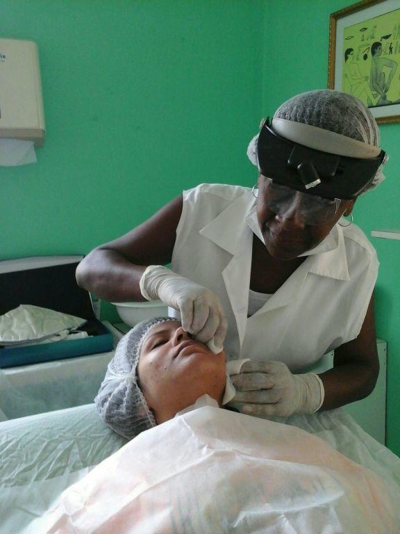 massoterapeuta maquiador(a) manicure e pedicure cabeleireiro(a)