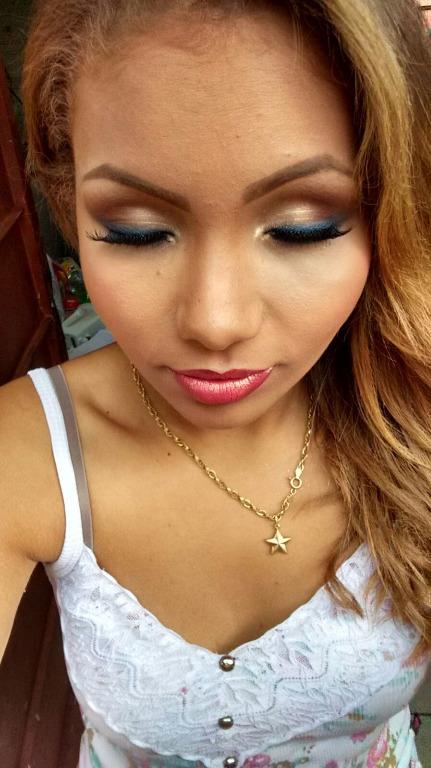 Make suave com delineado azul!#amei haha😍 esteticista