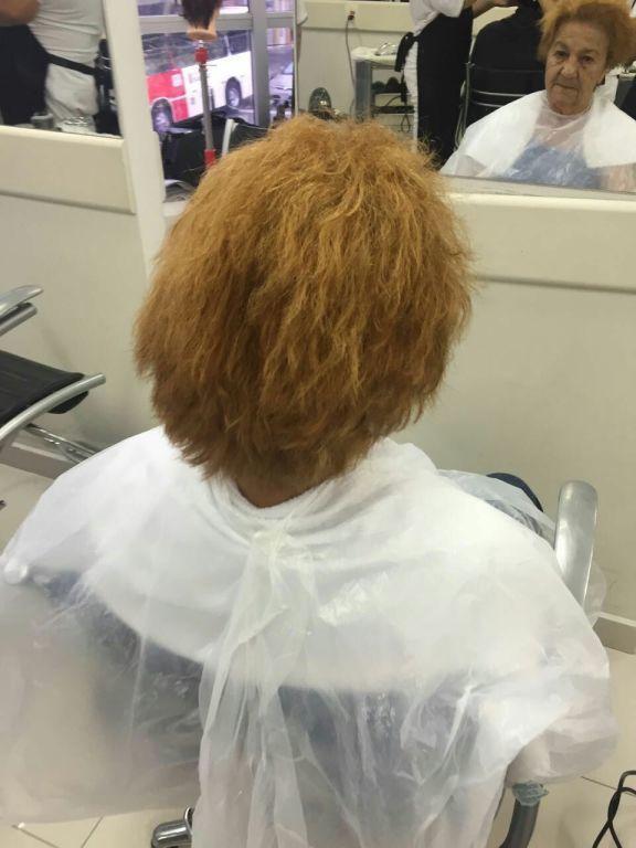 Técnica decapagem 1 passo cabelo auxiliar cabeleireiro(a) cabeleireiro(a)
