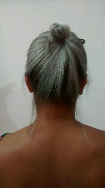 Luzes com a raiz escura cabeleireiro(a)