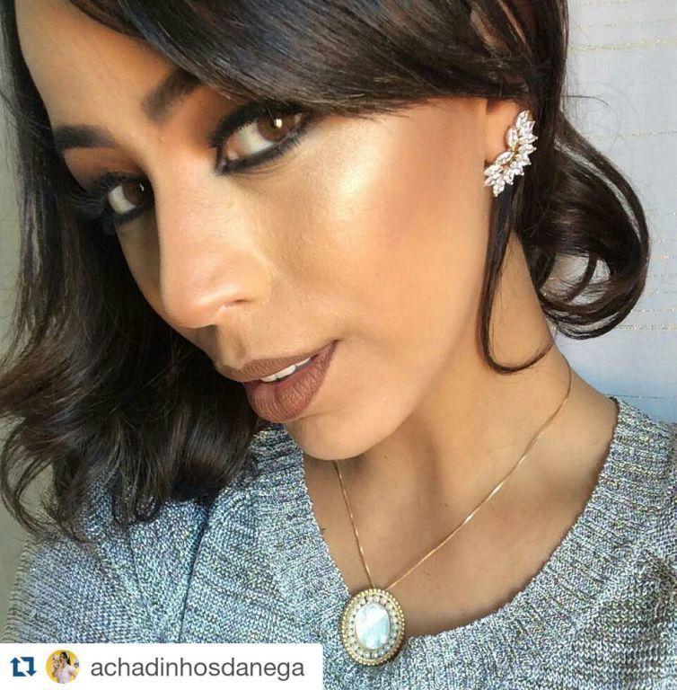 Pele iluminada com olhar marcante e batom tendência! #mac #makeupforever #senhora #kryolan cabelo maquiador(a)