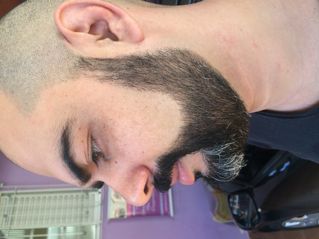 cabeleireiro(a) barbeiro(a)