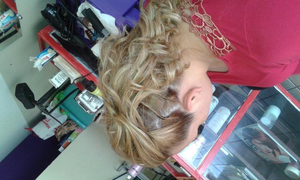 cabeleireiro(a) maquiador(a) designer de sobrancelhas barbeiro(a) empresário(a)