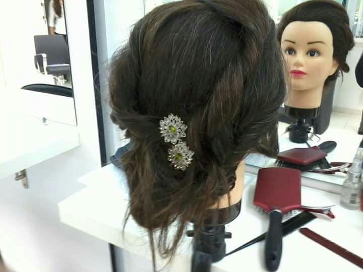 Penteado cabelo cabeleireiro(a) maquiador(a)