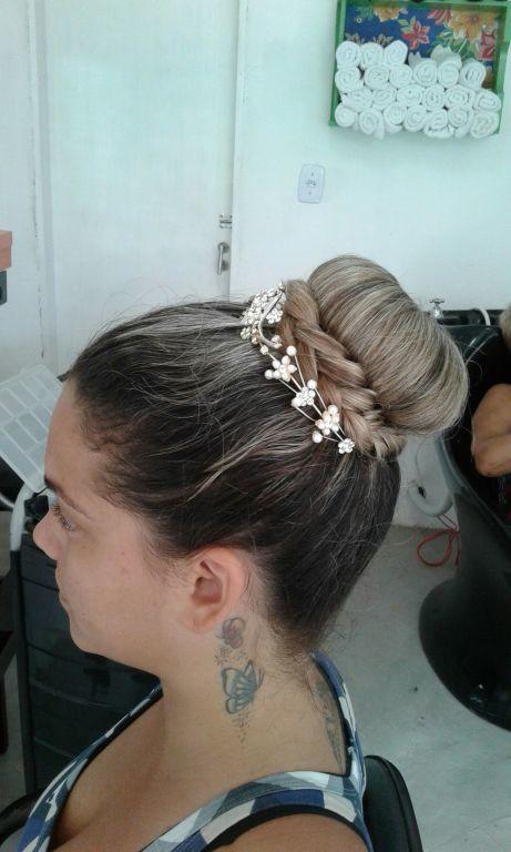 Prova de penteado (NOIVA ) cabelo cabeleireiro(a) maquiador(a)