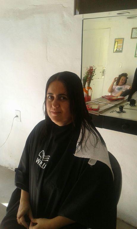 Antes cabelos longos,a espera da transformação para Channel om franja! cabeleireiro(a) maquiador(a)