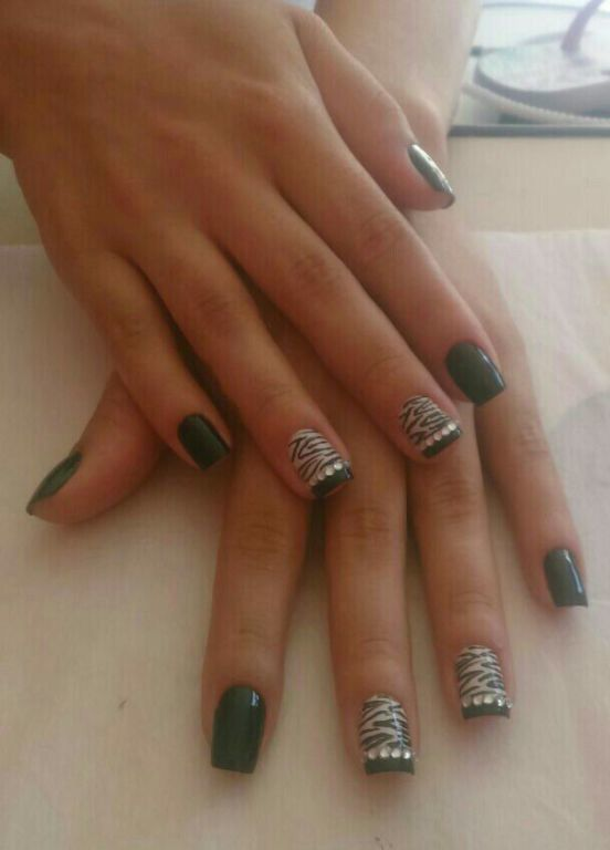 Unhas decoradas zebra manicure e pedicure