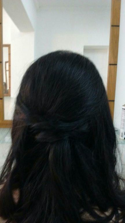 Cabelo desptetencioso para uma festa de jovens cabelo cabeleireiro(a)
