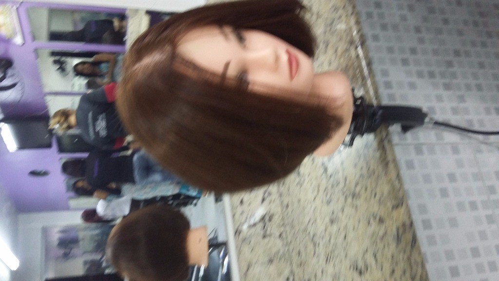 auxiliar cabeleireiro(a) escovista recepcionista