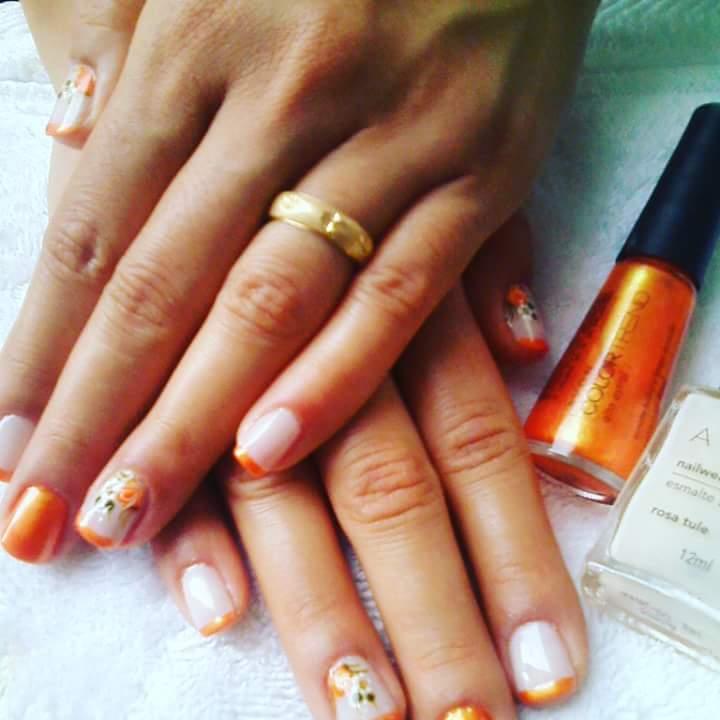 depilador(a) designer de sobrancelhas escovista esteticista manicure e pedicure massagista vendedor(a)