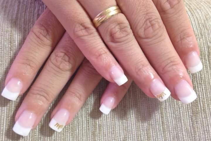 unha manicure e pedicure podólogo(a)